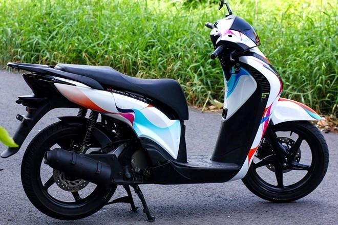 Dán Decal, keo xe máy tại Hà Nội -Cửa hàng dán keo xe máy 31