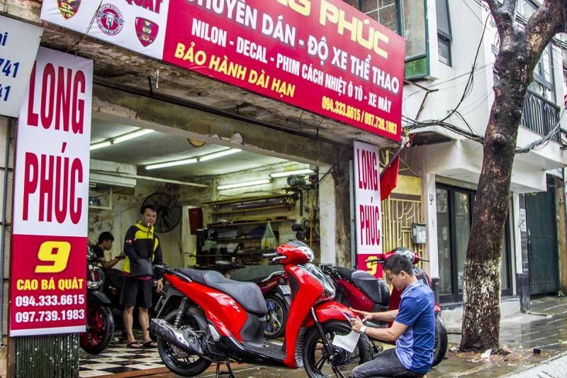 Dán Decal, keo xe máy tại Hà Nội -Cửa hàng Long Phúc decal