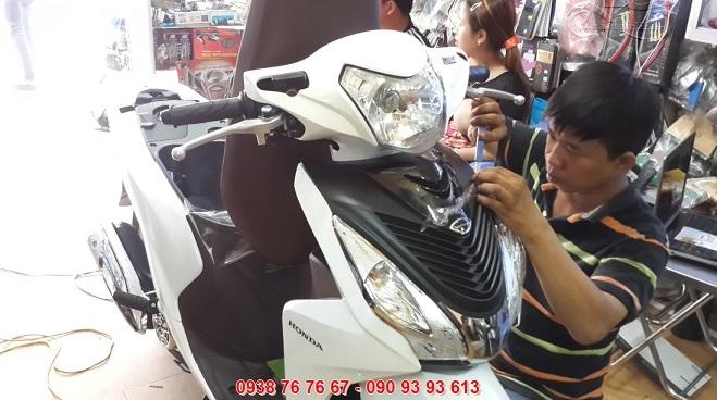 Địa chỉ dán keo xe, decal xe máy Hồ Chí Minh -Cửa hàng dán keo 123