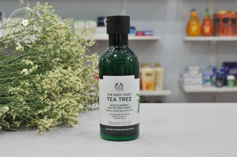 Cac-loai-nuoc-hoa-hong-cho-da-mun-The-Body-Shop-tea-tree-skin-clearing-toner