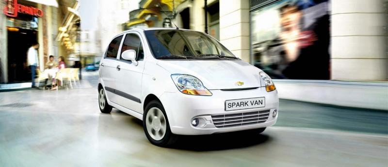Xe ô tô giá rẻ dưới 400 triệu -Chevrolet Spark Van 2015
