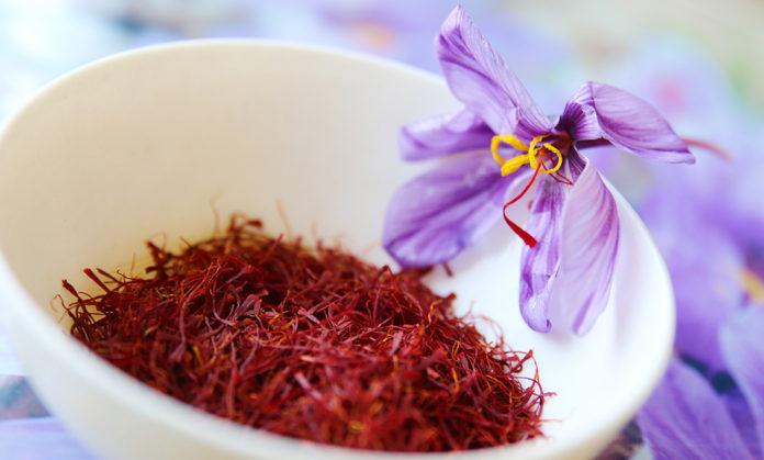 Mặt nạ dưỡng da Saffron